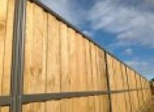Kwikfynd Lap and Cap Timber Fencing rostron